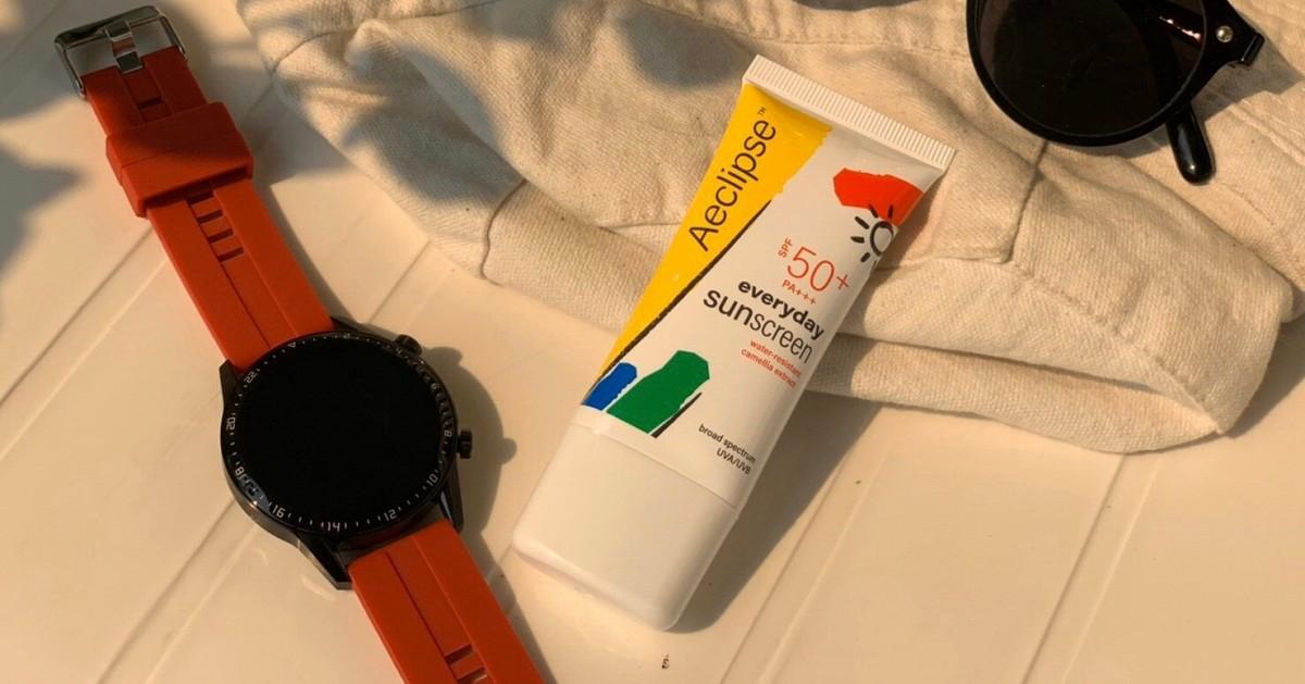 ปกป้องแดด บำรุงผิว พิชิตสิวอุดตัน ครบเลย ดร.สมชาย เอคลิปส์ เอฟวรี่เดย์ ซันสกรีน เอสพีเอฟ 50+ PA+++ (สูตรกันน้ำ)