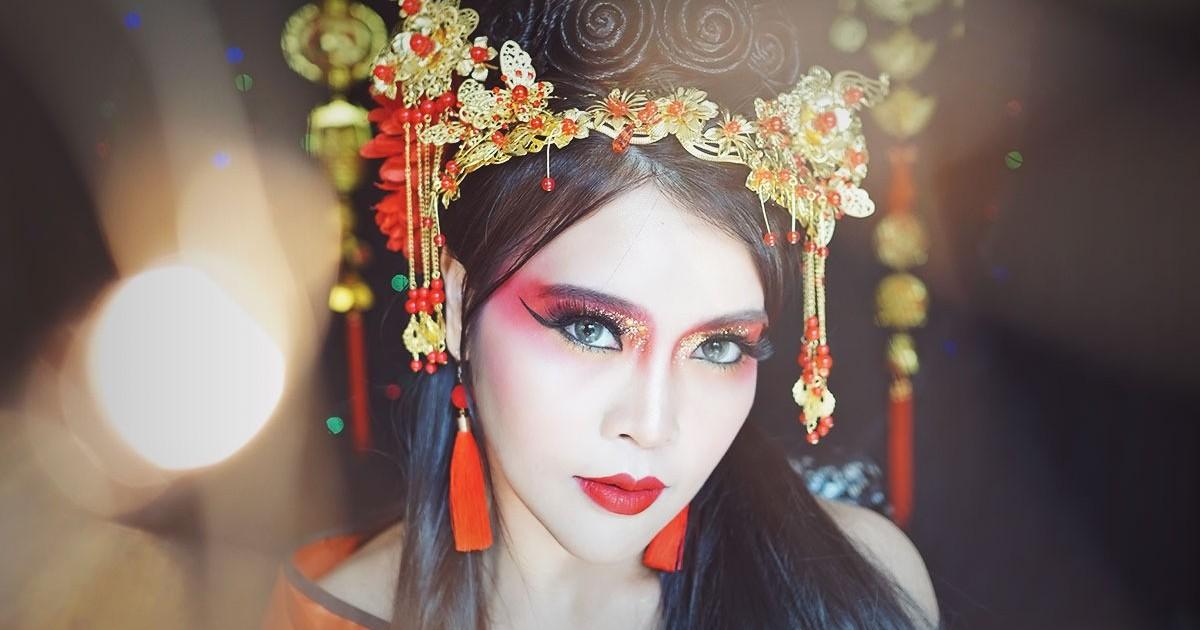 How-To Chinese Diva Queen Glitter Makeup สาวจีนโบราณราชินี Diva