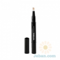 Victoria's Illuminating Highlight Pen